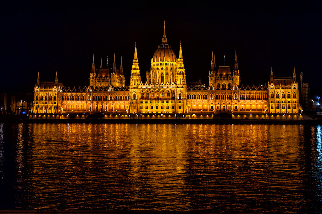 Budapest di sera